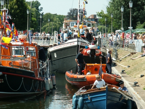 photo_TeddingtonRiverFestival2013_1
