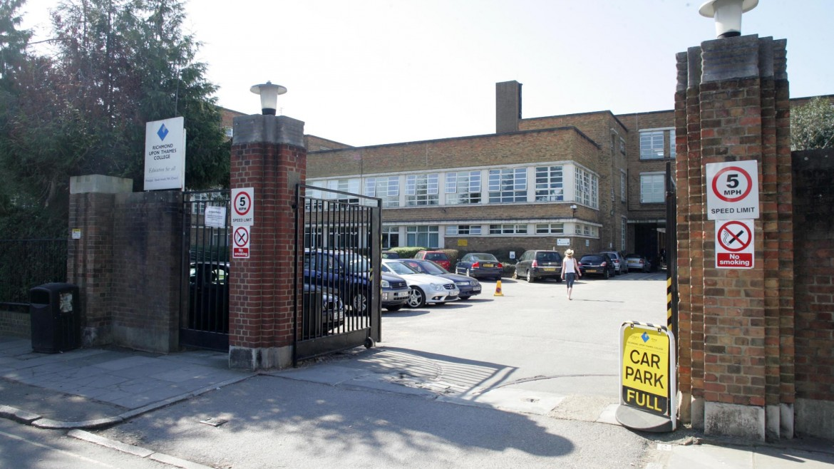 Date: 28/03/12 Rep:Christin FlemingRef: TW65984 Contact Name/Number/a Address:richmond college, Egerton Road, Twickenham, Middlesex, TW2 7SJ Job Details:Title: gv - richmond college  please can we get some gv shots of the outside of the college for our photo stocks