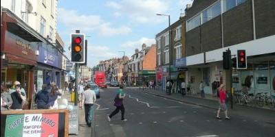 Broad_Street,_Teddington_-_geograph.org.uk_-_1797359